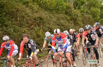 Tour du Vietnam 2011 - racing group