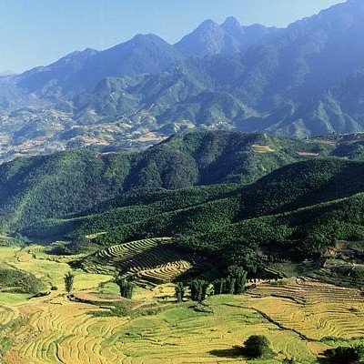 Scenery of HoangLienSon mt range - Sapa trek.