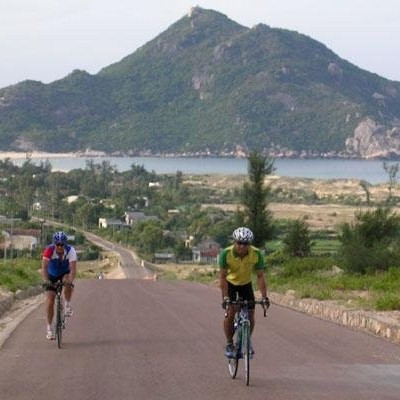 Cycling central Vietnam - Coast line from SaHuynh to Qui Nhon.