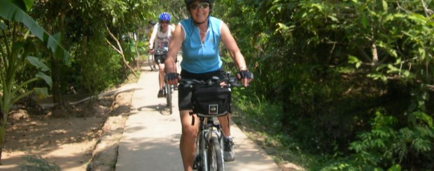 Cycling mekong delta - Road on island near VinhLong