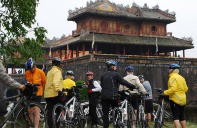 Visit the Imperial city - Hue